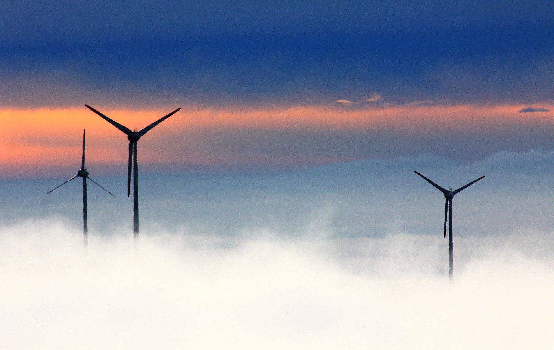 «Зеленые» проекты впервые обогнали углеводородные по привлечению средств