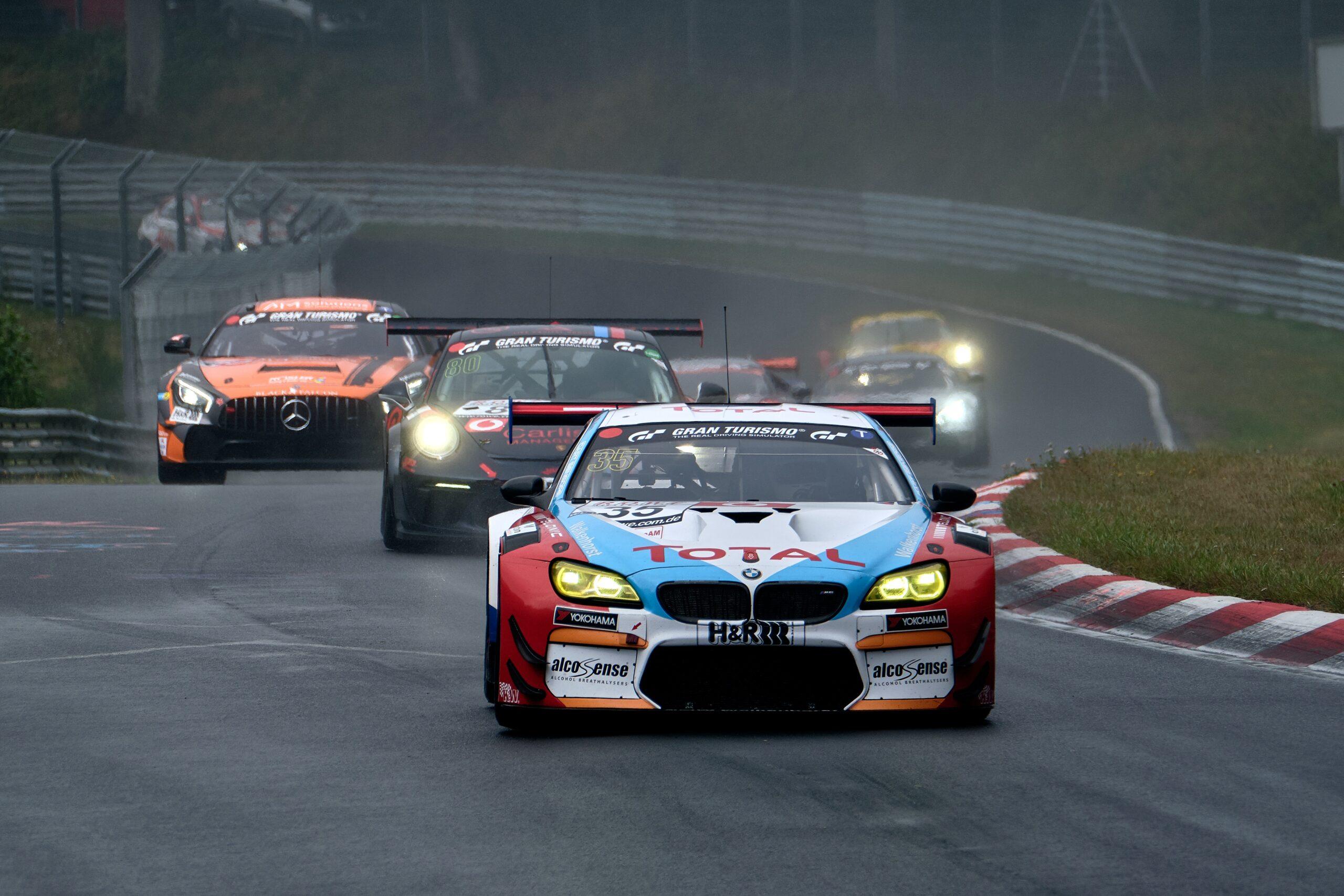 В ФРГ экологи подали в суд на BMW и Mercedes-Benz